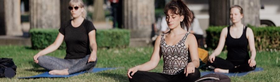 Open Air Yoga at Kolonnadenhof